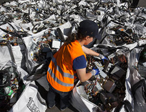 Recycling WEEE or W3E, the electronic waste | Veolia